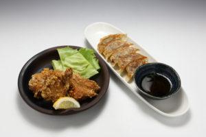 JR茨木駅前ラーメン「らーめん屋一心」鶏唐揚げ・餃子