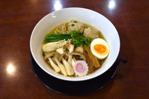 JR茨木のラーメン・つけ麺「自家製麺・らーめん屋一心」国産鶏つくね野菜きのこらーめん