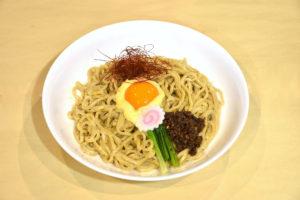 JR茨木のラーメン・つけ麺「自家製麺・らーめん屋一心」坦々カルボナーラまぜ麺
